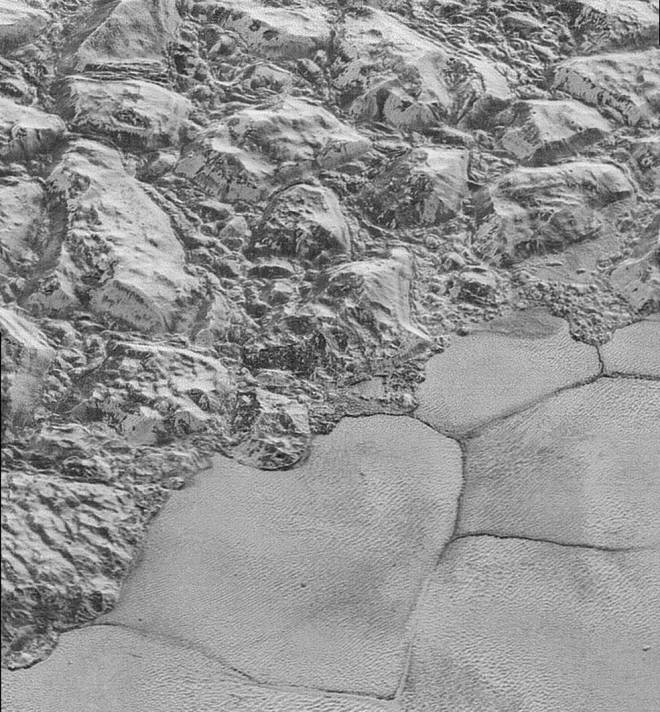 The Mountainous Shoreline of Sputnik Planum. Credits: NASA/JHUAPL/SwRI